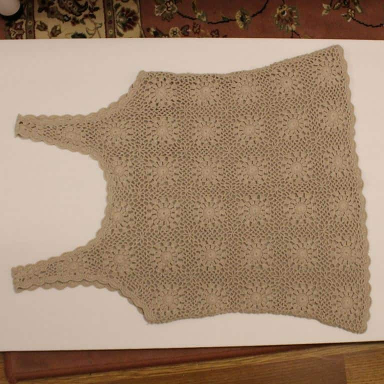 Crochet top without button