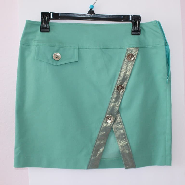 Skirt with button embellishment 2