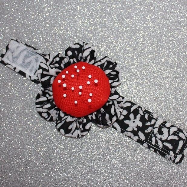 Wrist pincushion