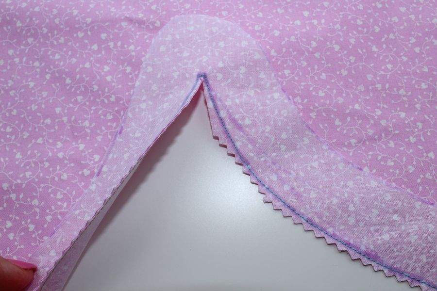 Using facing to sew a curved hem