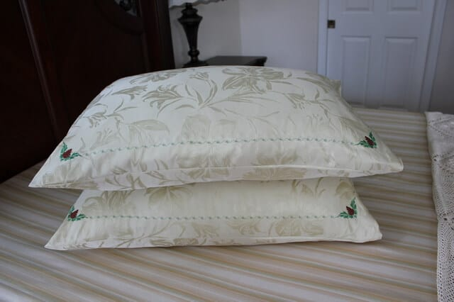 DIY pure silk pillowcase for better and healthier sleep