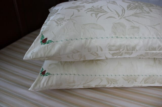 DIY silk pillowcases