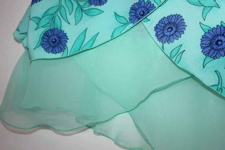 How to sew silk: types of stitches and seams - Here we sew again
