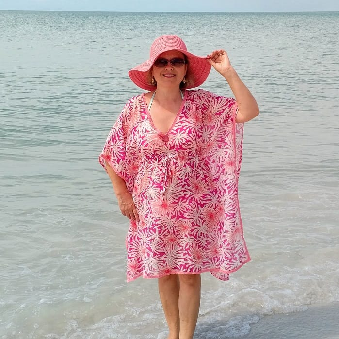 Free sewing patterns: a beach dress - Here we sew again