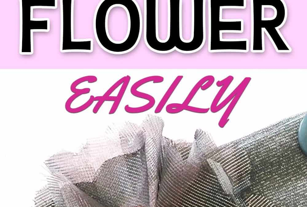 Easy fabric flowers {a sewing tutorial and a free pattern}