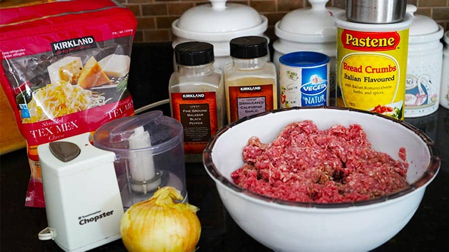 Ingredients for the Russian meat patties kotleti