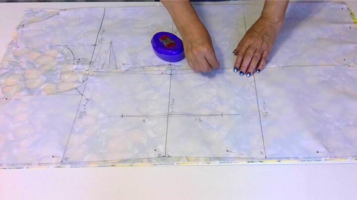pinning a pattern to the fabric