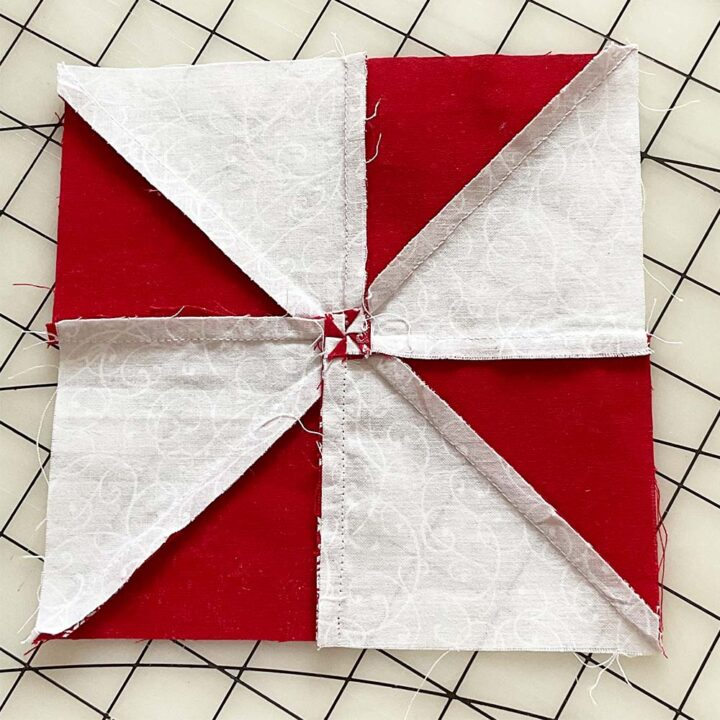 how to arrange seams in the center of a pinwheel quilt block